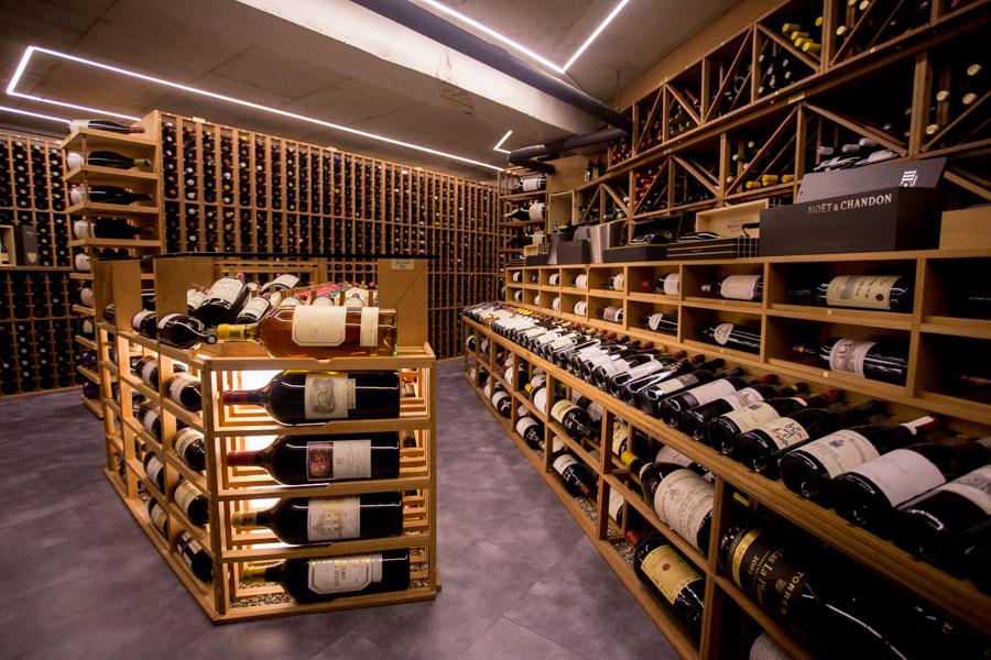 coureur-des-bois-bistro-culinaire-wine-cellar